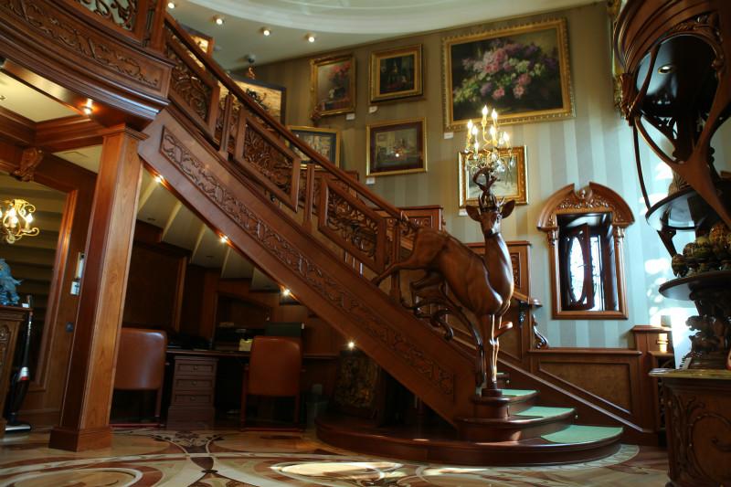 Лестница царского типа