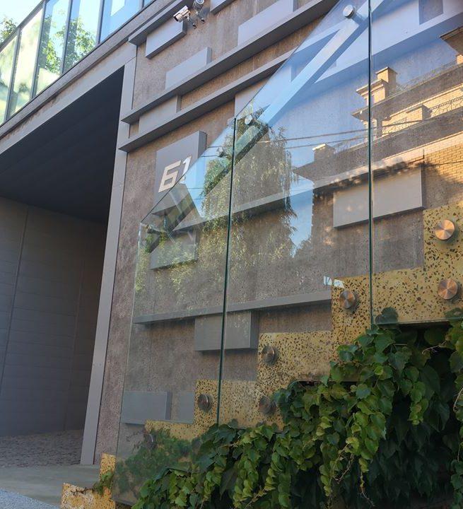 Декоративный бетон - консольная лестница