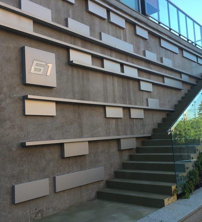 Консольная лестница из декоративного бетона