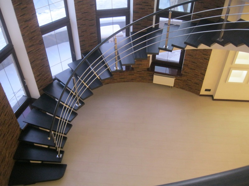 Лестница в отделке вид сверху