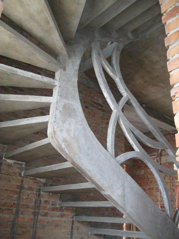Бетонная лестница однотетивного типа