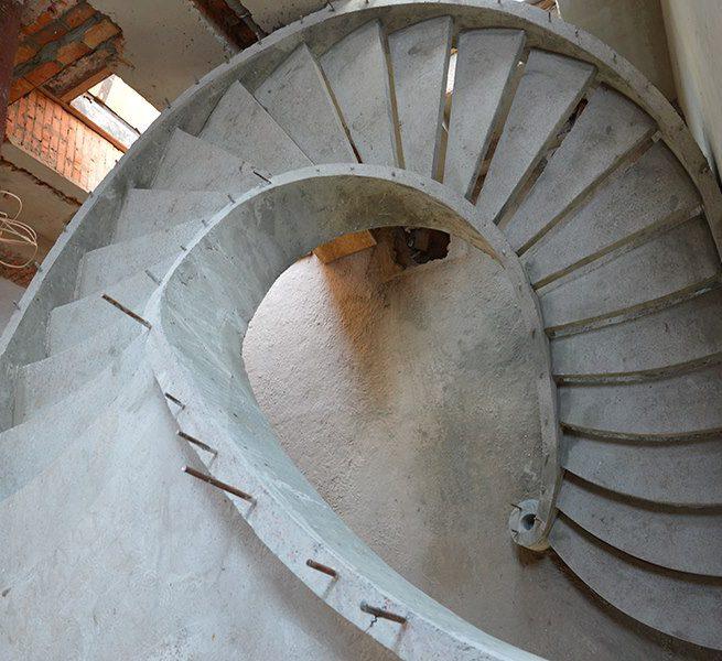 Винтовая двухтетивная лестница