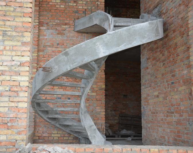 Самонесущая двухтетивная лестница