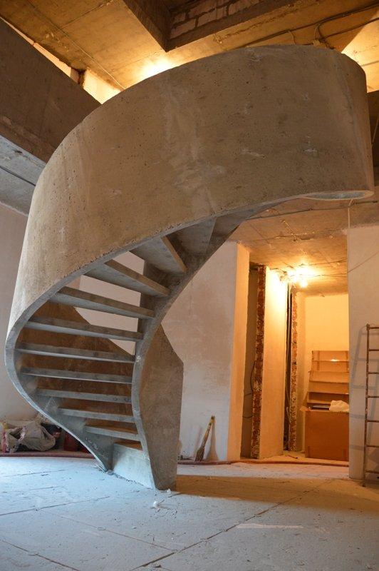 Двухтетивная лестница вид снизу