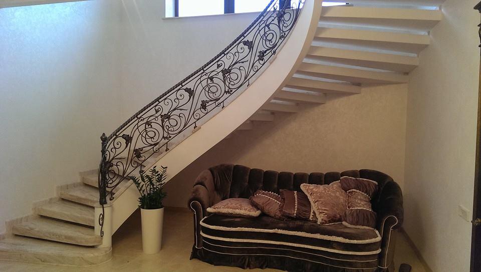 Отдонетивная лестница в отделке