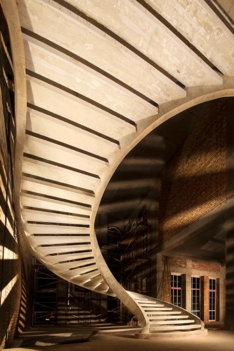 полувинтовая двухтетивная лестница картинка