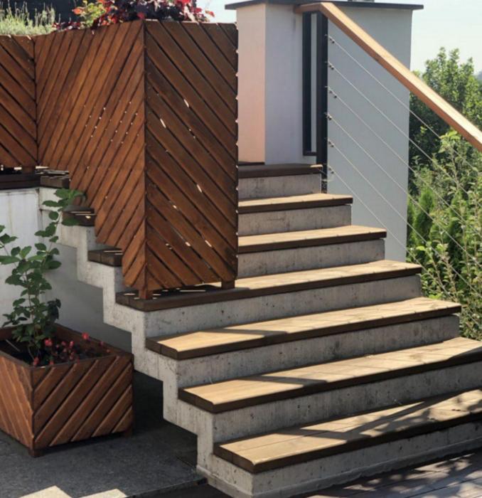 зеркальная бетонная лестница киев