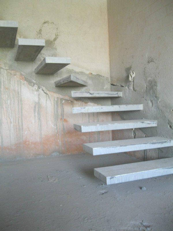 Лестница типа конструкции консольная