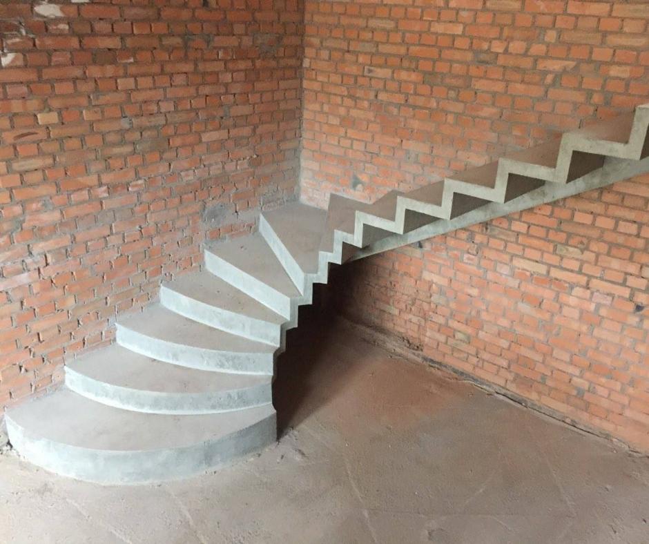 бетонная лестницы г-образной формы киев
