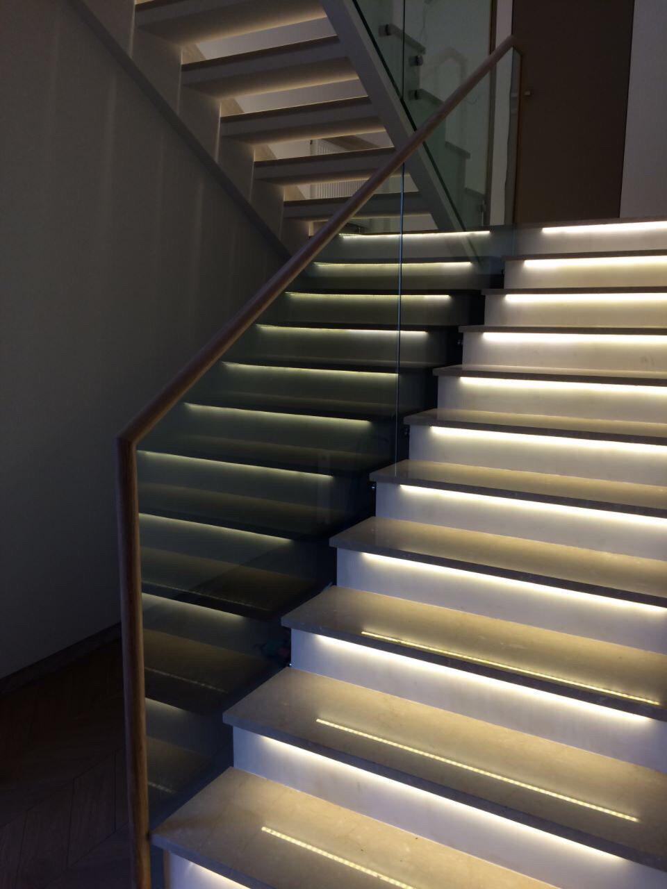 Комбинированая лестница на тетиве