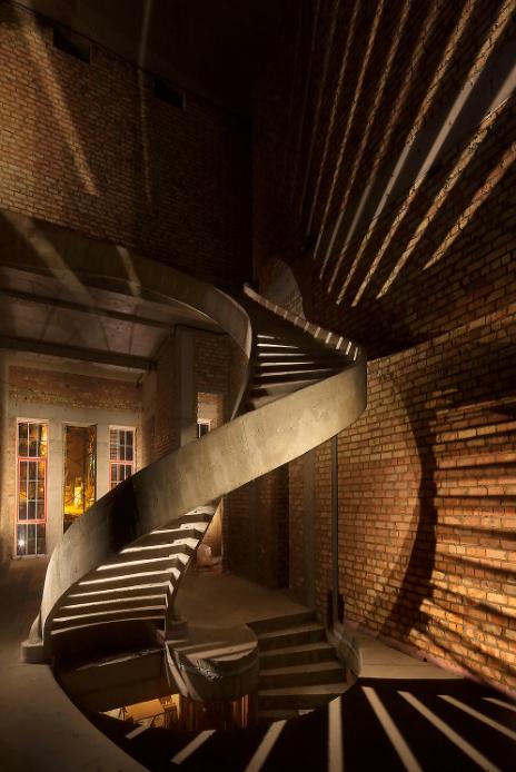 полувинтовая двухтетивная лестница фото