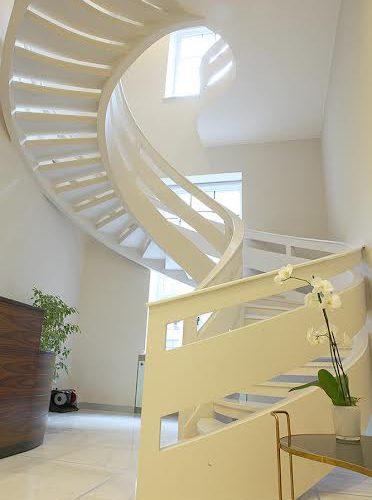 полукруглый проем для лестницы
