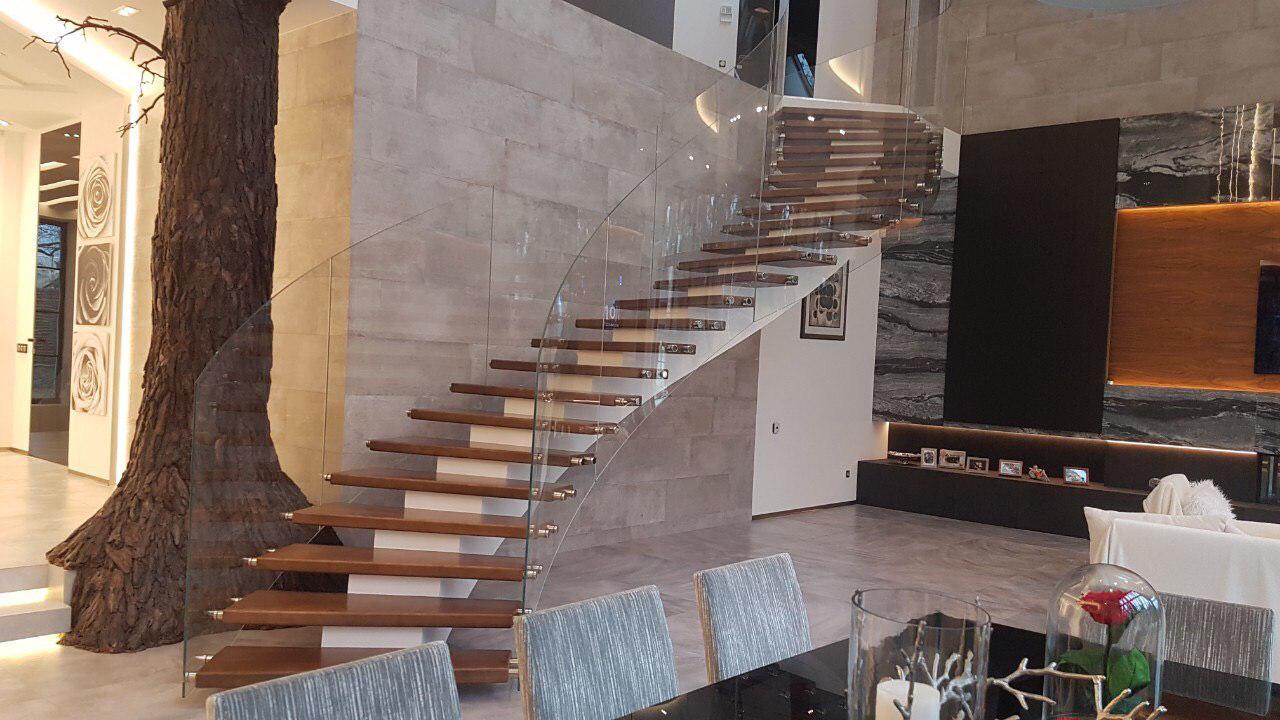 Лестница конструкции центральный косоур 1