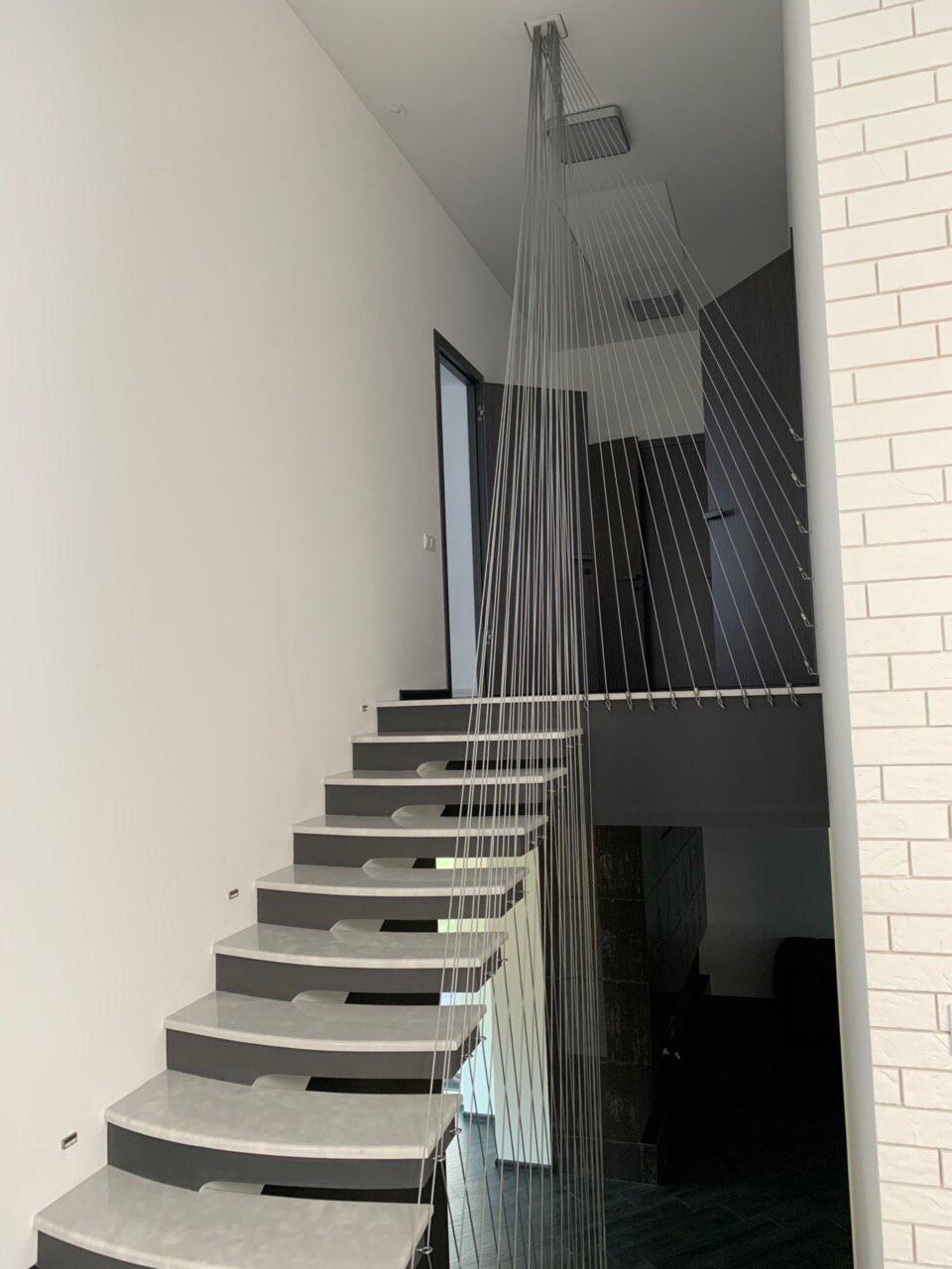 Сходи конструкції пристінний косоур з форменими ступенями 3
