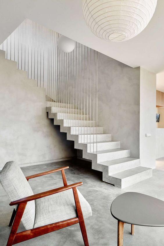 лестница голый бетон